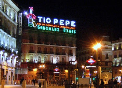 Tio pepe the world 39 s most famous sherry young adventuress for Tio pepe madrid puerta del sol