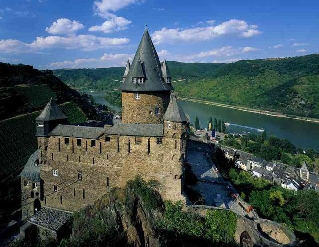 bacharach germany castle hostel