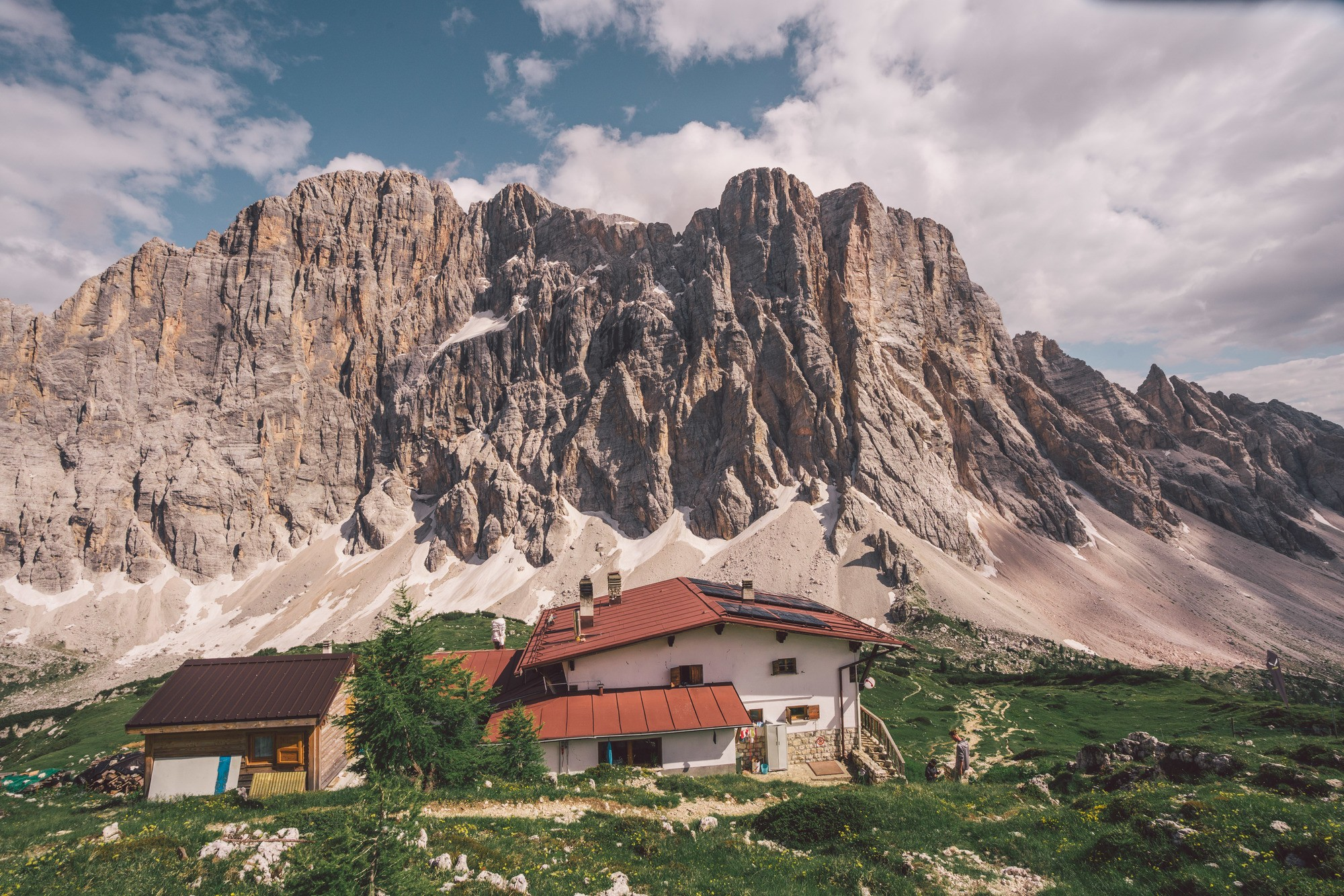 rifugios in the dolomites