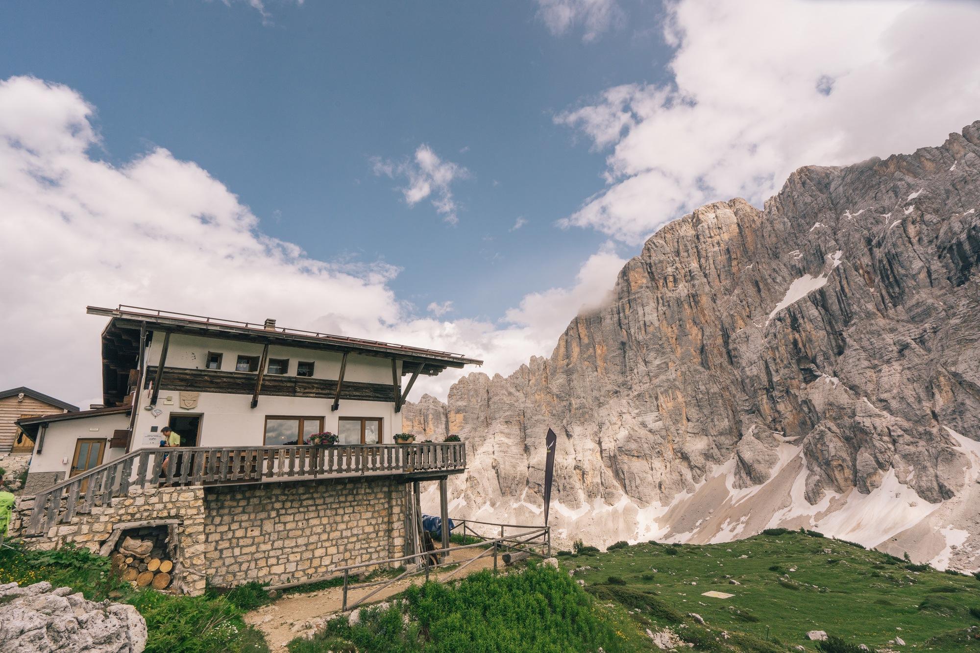 rifugios in the dolomites