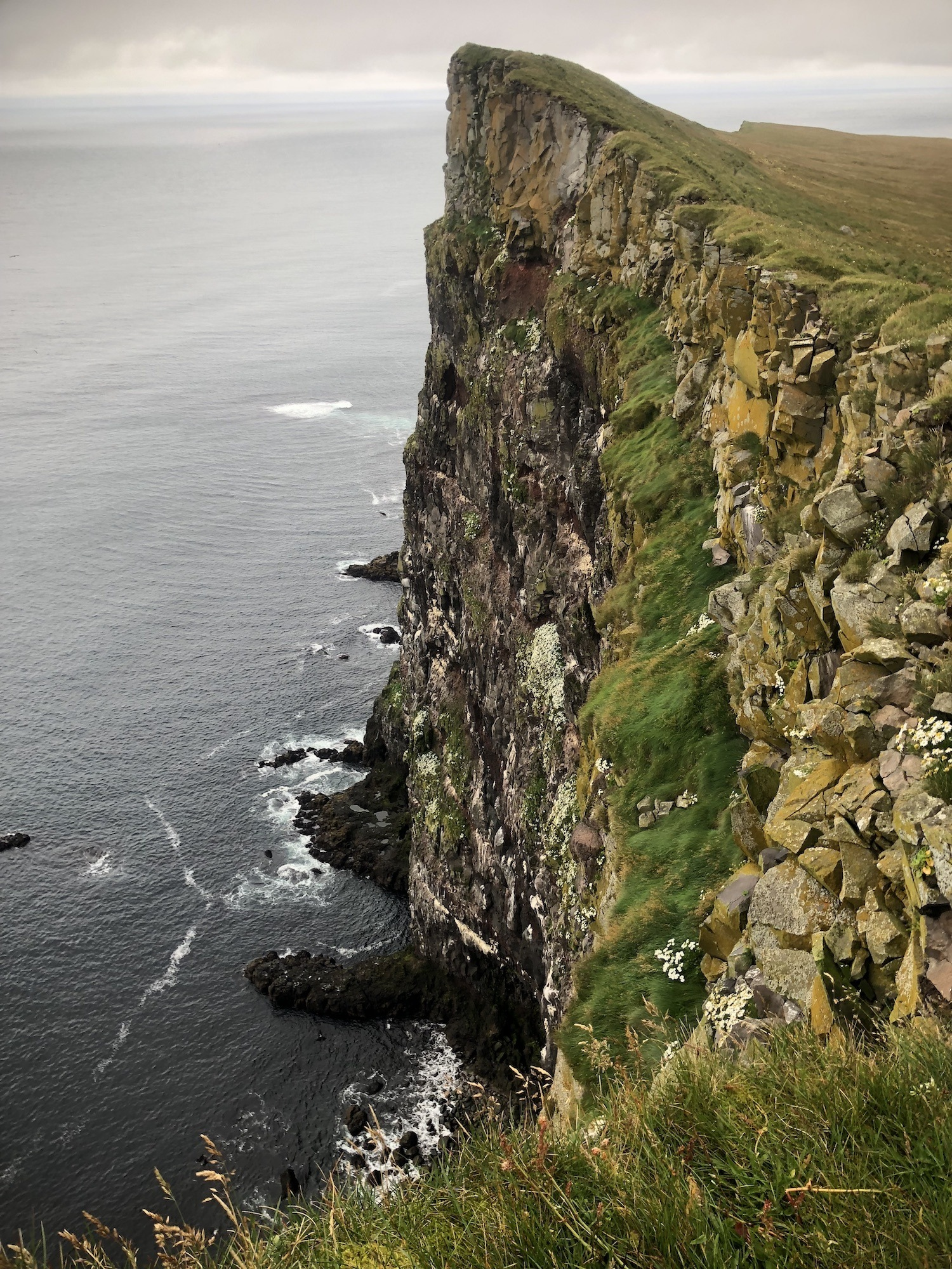 Sideview of cliff